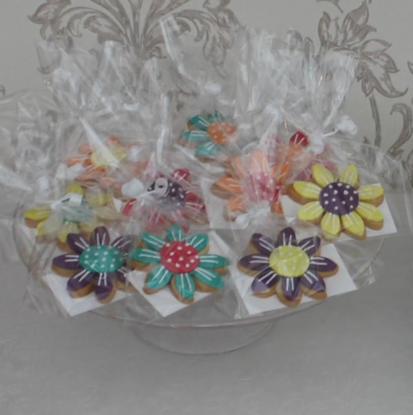 Bright flower cookies wrapped