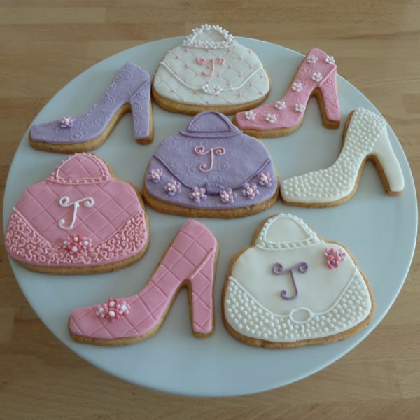 Shoes and handbag cookies in pastel colours