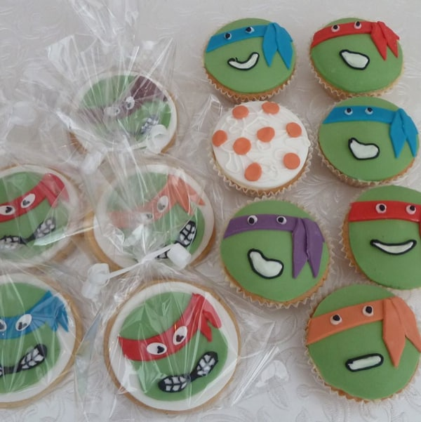 Turtle cookies and cupcakes