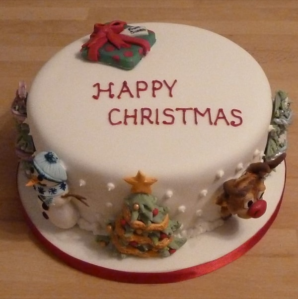 Novelty Christmas Cake Images : Seasonal Cakes CakesByKit