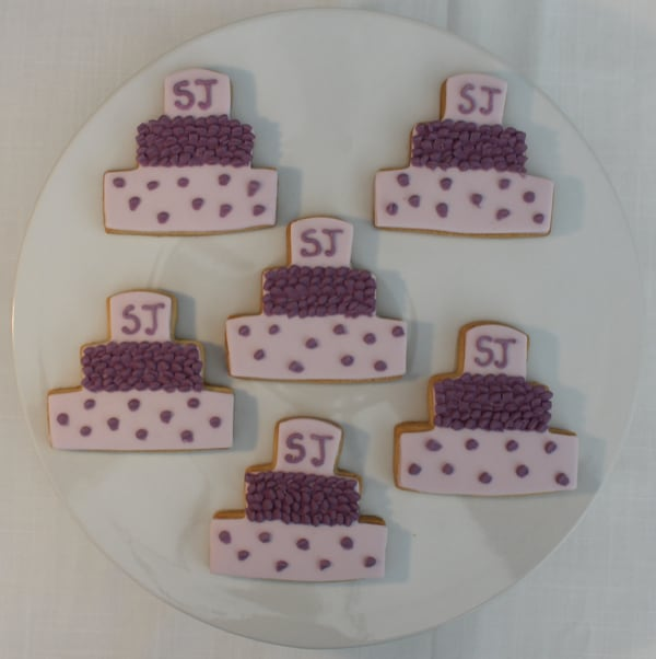 Lilac wedding cake cookies