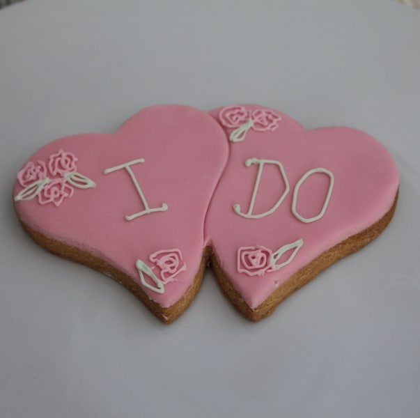 pink double heart cookie favours