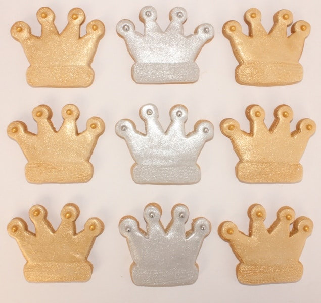 gold and silver crown cookies