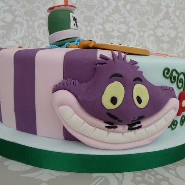 Cheshire cat cake details