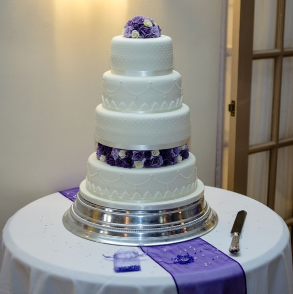 Purple and cream roses on an Ivory cake (SSV photography)