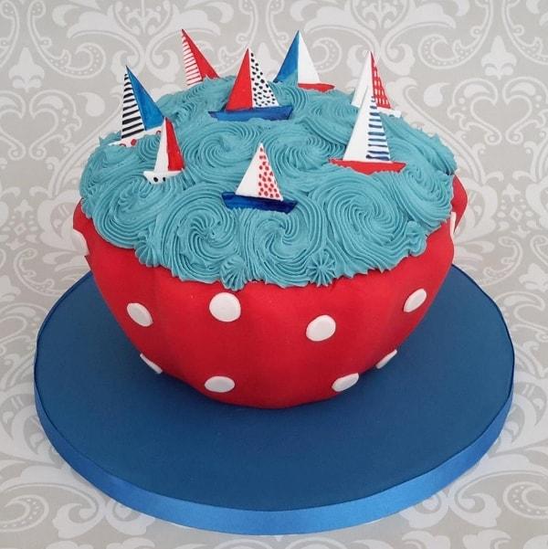 Boating cupcake