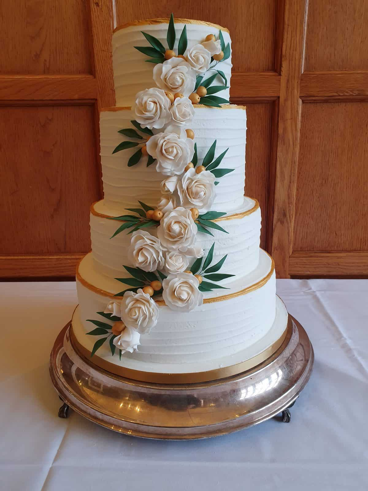 Red & Gold 5 tier wedding cake